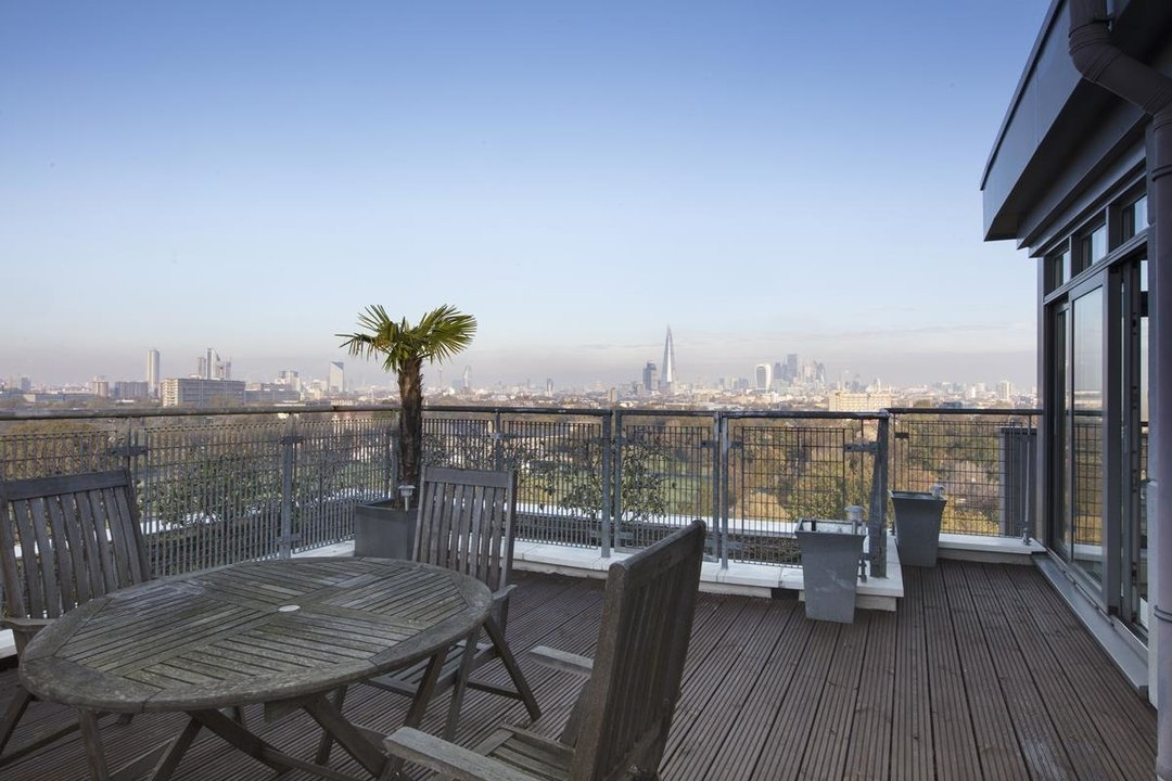 Flat/Apartment For Sale in Galleria Court, Sumner Road, SE15 226 view2