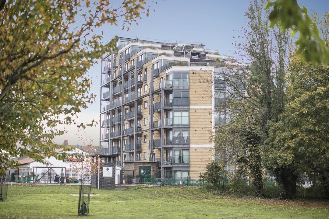 Flat/Apartment For Sale in Galleria Court, Sumner Road, SE15 226 view4