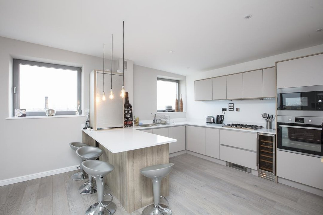Flat/Apartment For Sale in Galleria Court, Sumner Road, SE15 226 view6