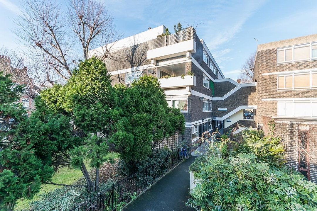 Flat/Apartment Sale Agreed in Gilesmead, Camberwell Church Street, SE5 245 view7