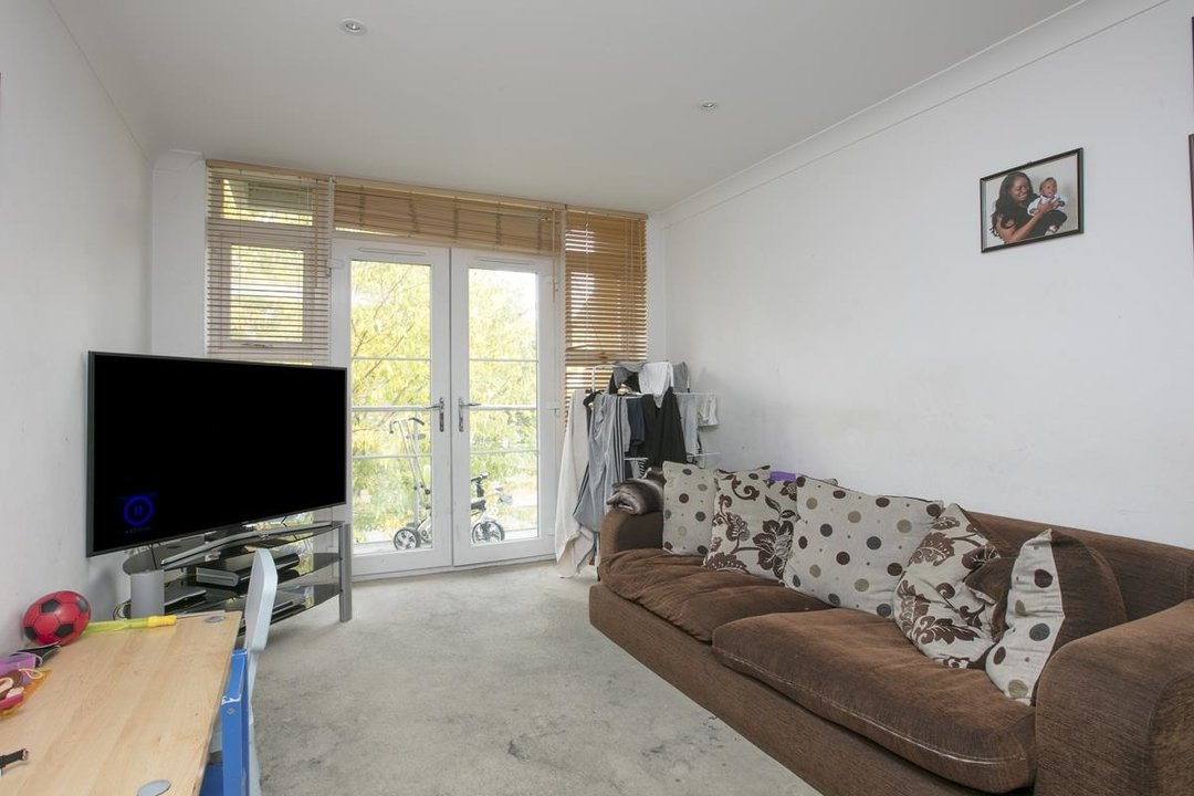 Flat - Purpose Built For Sale in Gordon Road, SE15 215 view3