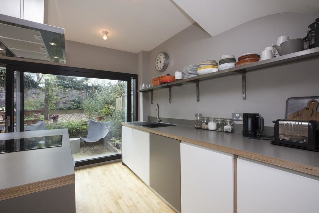 House - End Terrace For Sale in Grassmount, SE23 205 view5