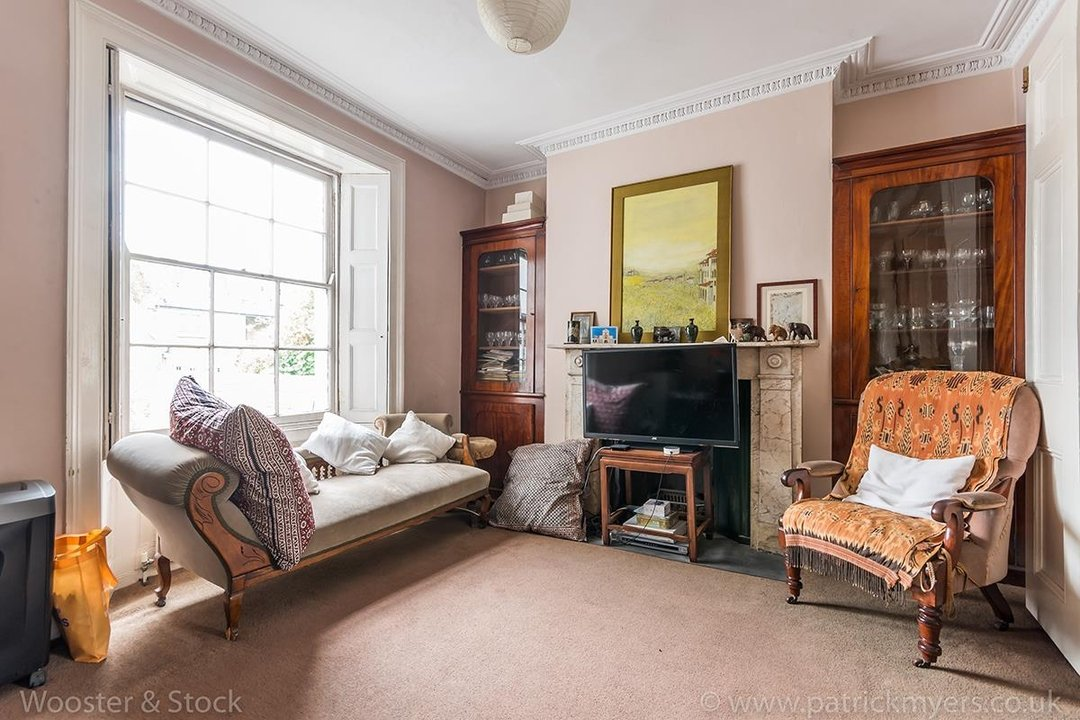 House - Semi-Detached For Sale in Grove Lane, London 121 view7