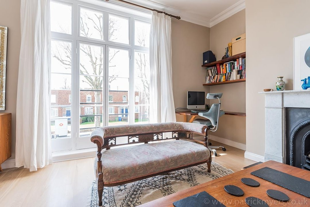 Flat - Conversion Sold in Grove Lane, SE5 12 view10