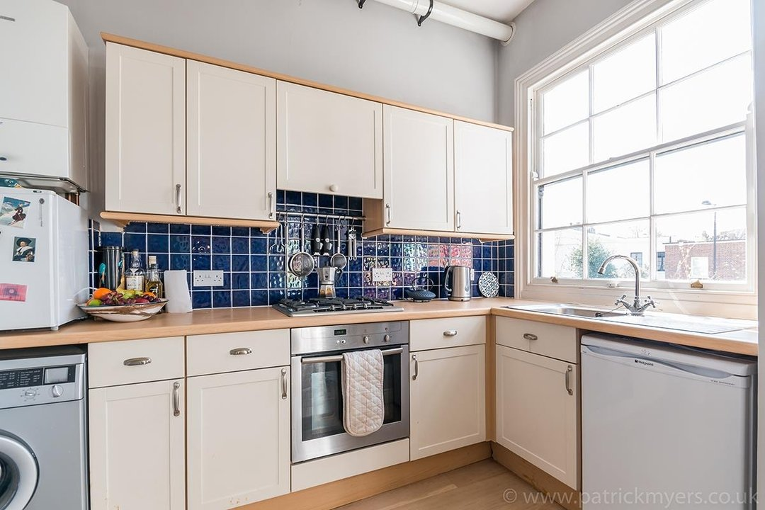 Flat - Conversion Sold in Grove Lane, SE5 12 view5