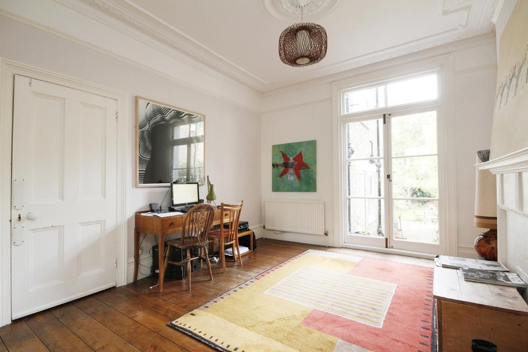 House - Semi-Detached Sold in Grove Park, London SE5 52 view7