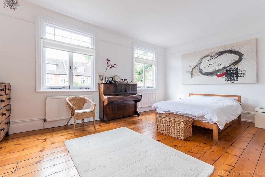 House - Semi-Detached Sold in Grove Park, London SE5 52 view24
