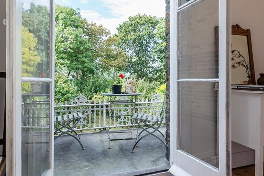 House - Semi-Detached Sold in Grove Park, London SE5 52 view19