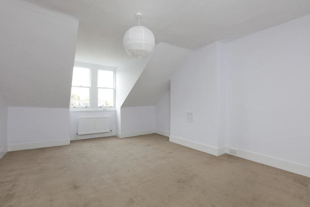 Flat - Conversion For Sale in Grove Park, SE5 133 view4