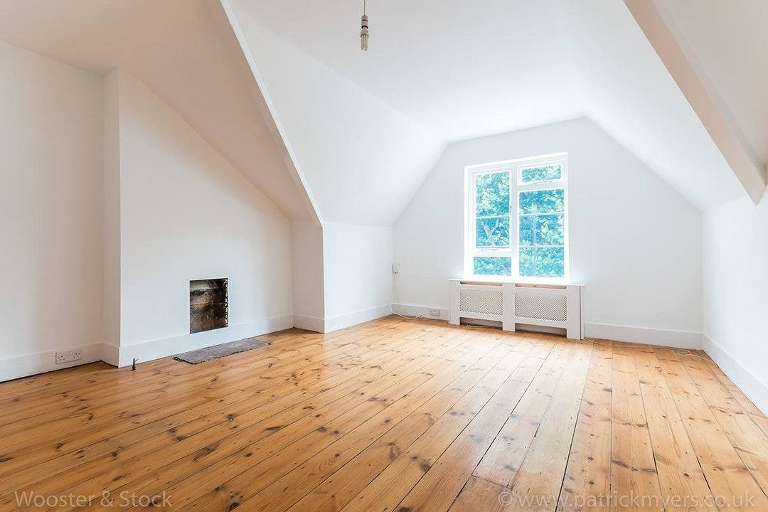 Flat - Conversion For Sale in Grove Park, SE5 133 view2