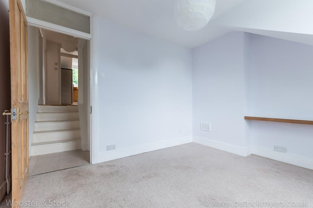 Flat - Conversion For Sale in Grove Park, SE5 133 view9