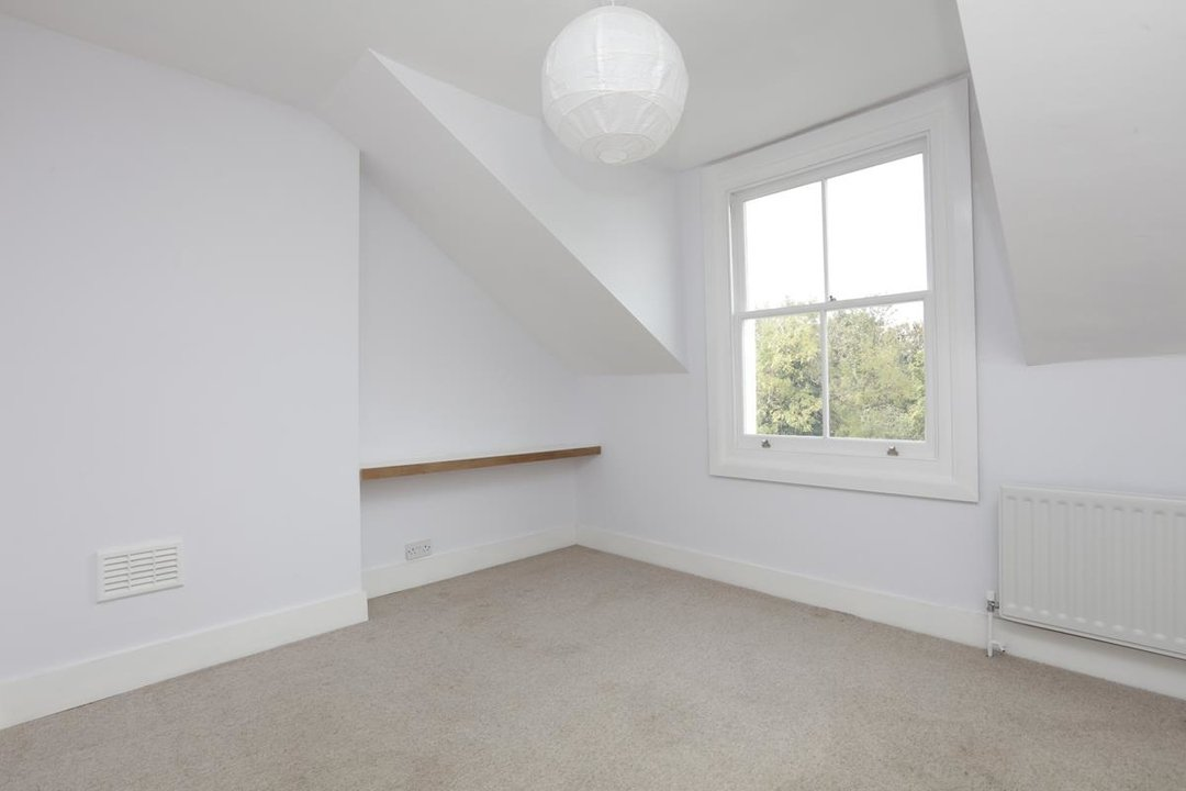 Flat - Conversion For Sale in Grove Park, SE5 133 view5