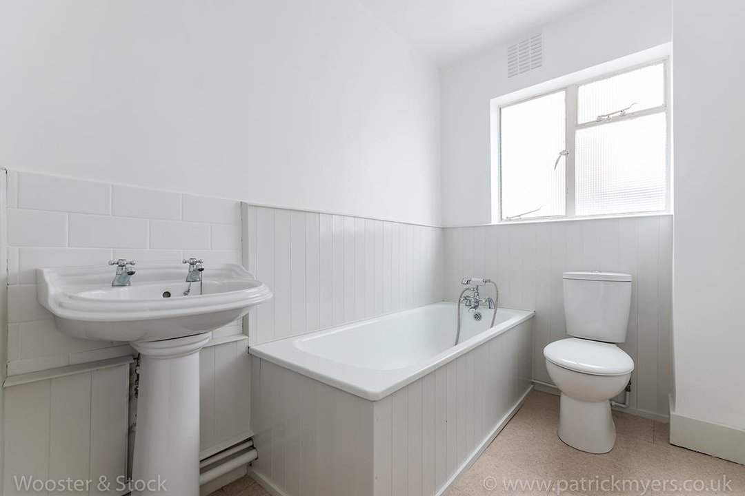 Flat - Conversion For Sale in Grove Park, SE5 133 view10