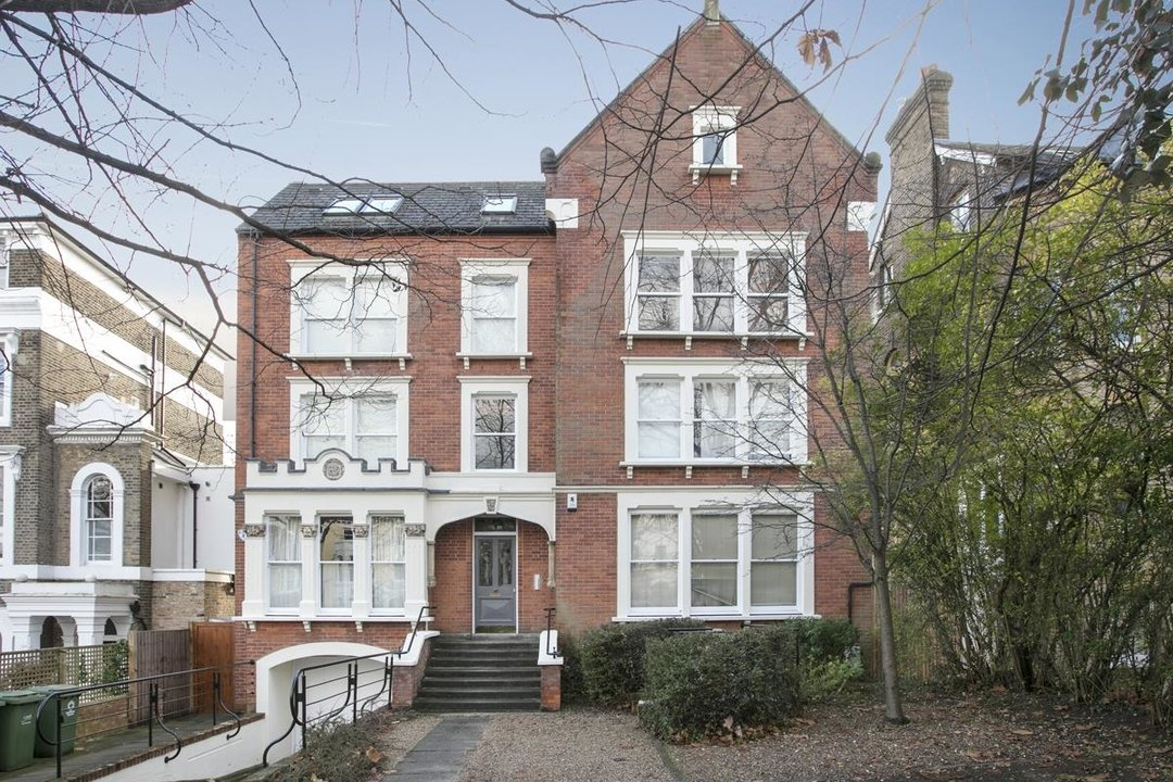 Flat/Apartment For Sale in Grove Park, SE5 247 view1
