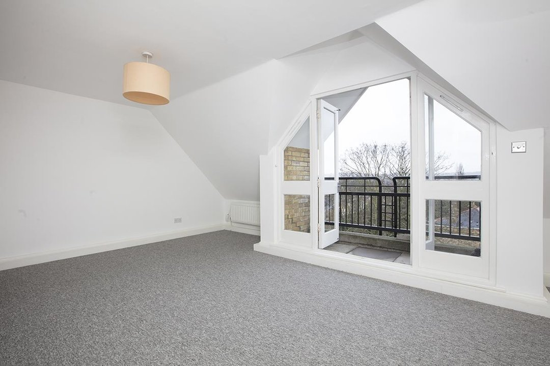 Flat/Apartment For Sale in Grove Park, SE5 247 view3