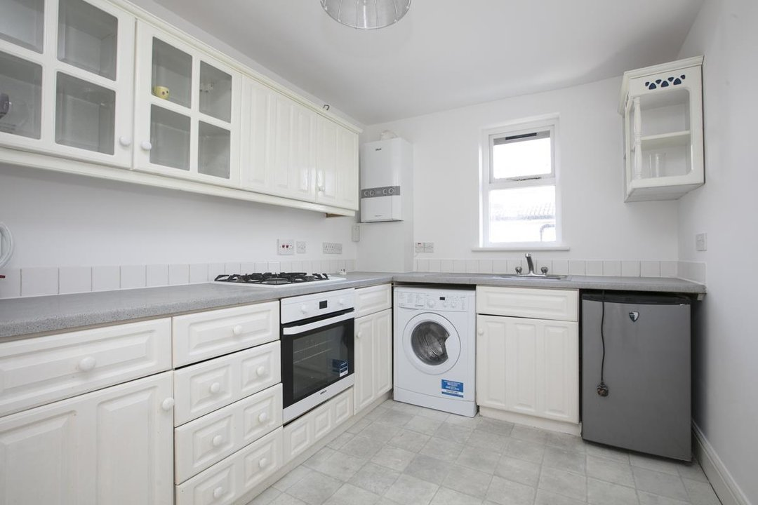 Flat/Apartment For Sale in Grove Park, SE5 247 view6
