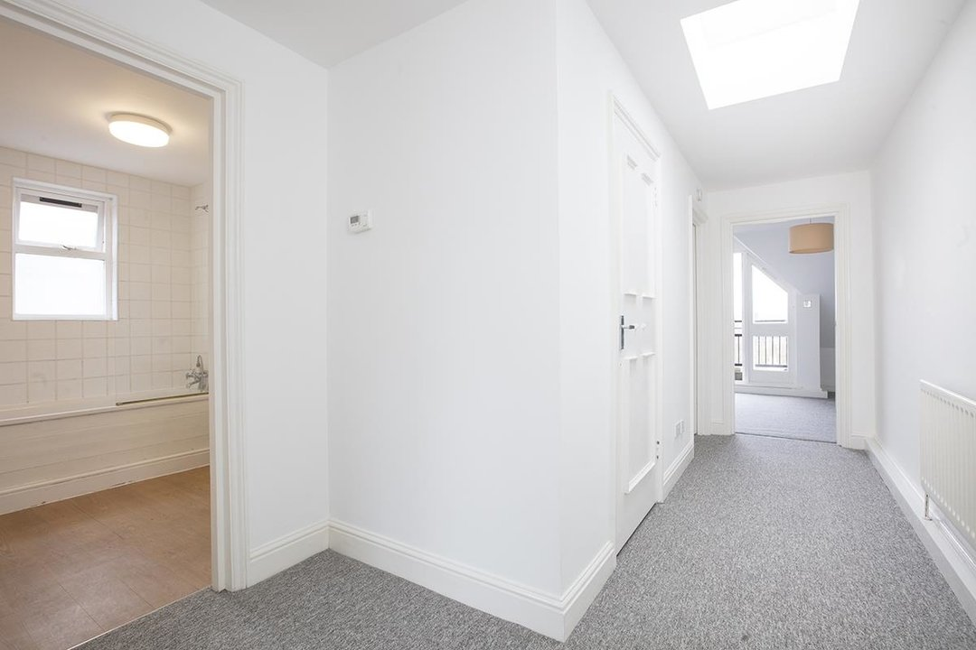 Flat/Apartment For Sale in Grove Park, SE5 247 view8