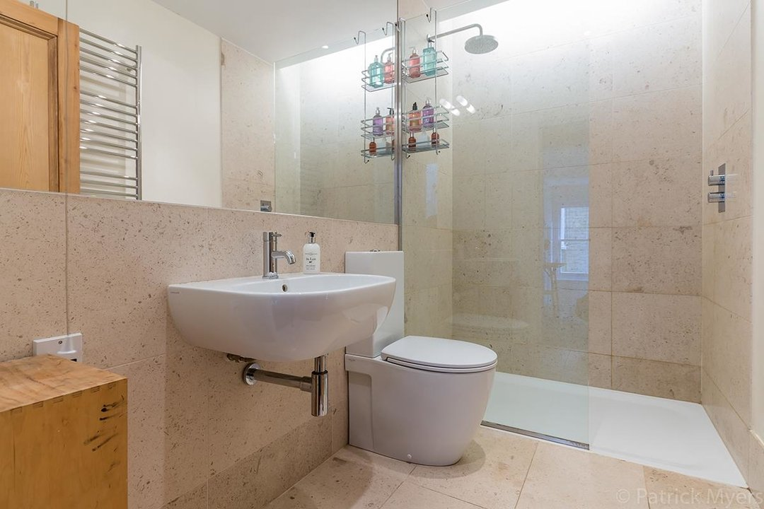 House - Semi-Detached For Sale in Grove Park, SE5 268 view20