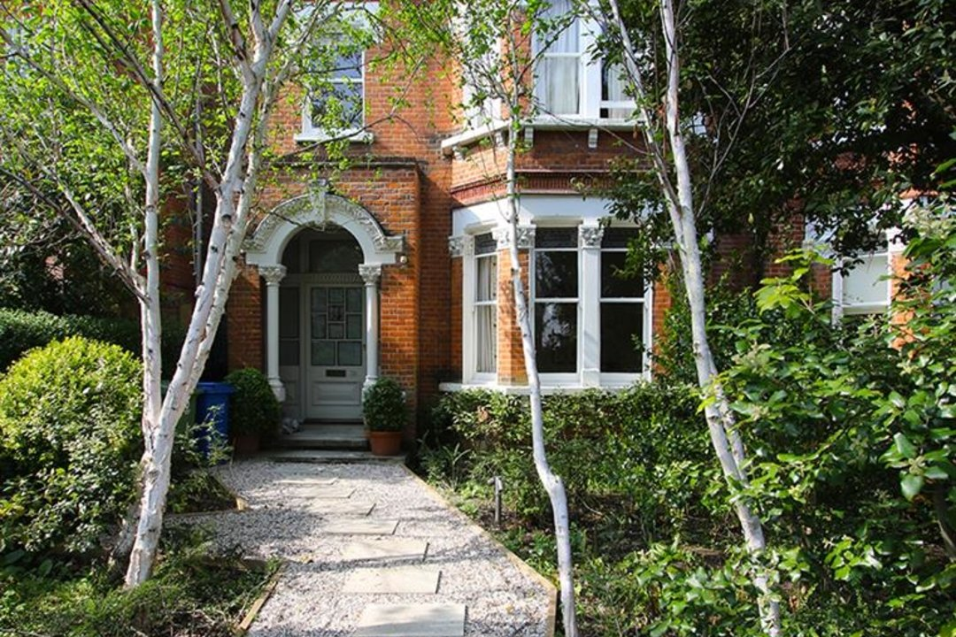 House - Semi-Detached For Sale in Grove Park, SE5 268 view4