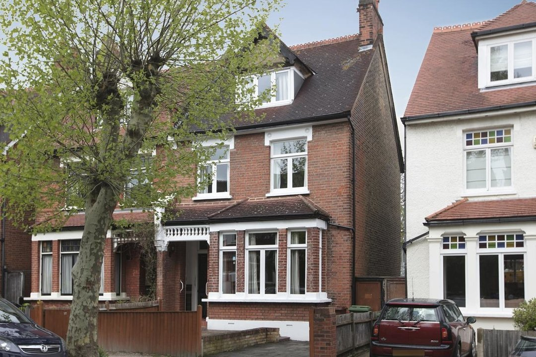 House - Semi-Detached For Sale in Grove Park, SE5 317 view1