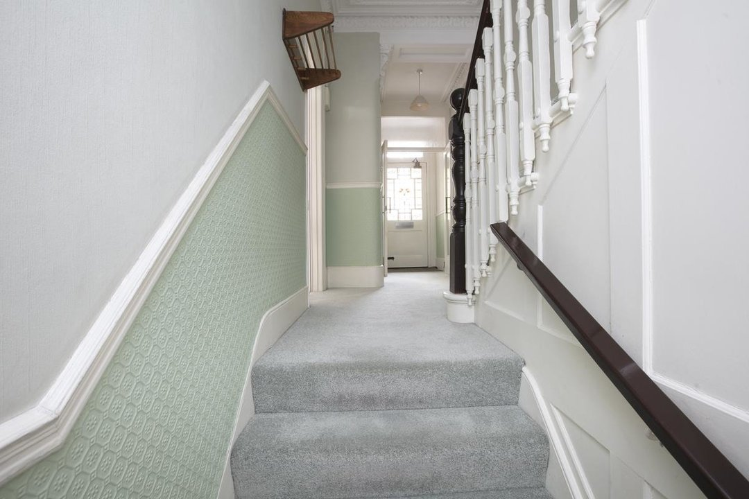 House - Semi-Detached For Sale in Grove Park, SE5 317 view10