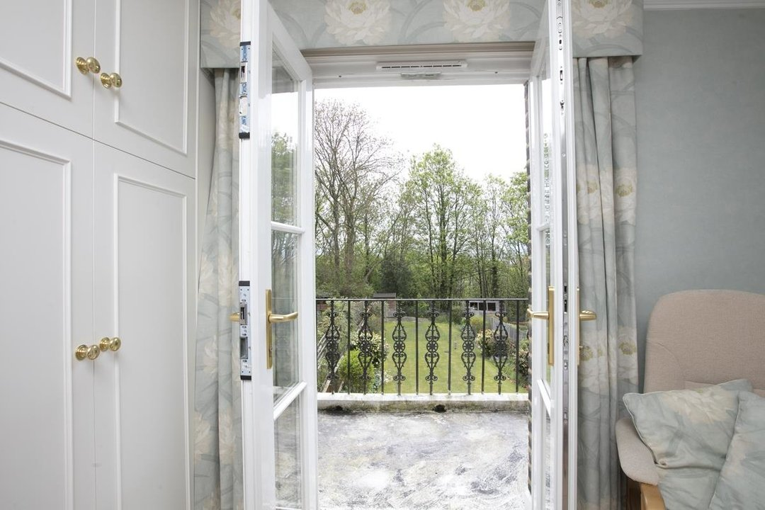 House - Semi-Detached For Sale in Grove Park, SE5 317 view14