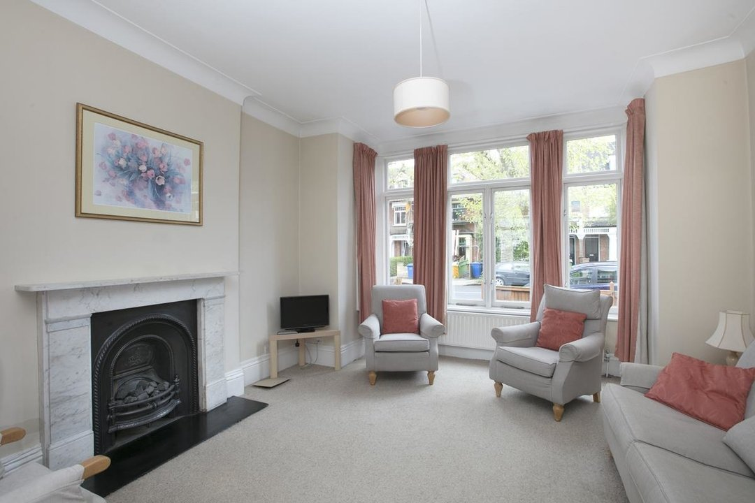 House - Semi-Detached For Sale in Grove Park, SE5 317 view4
