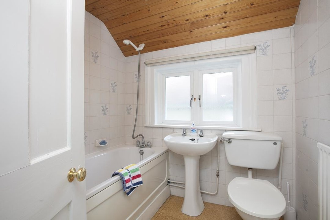 House - Semi-Detached For Sale in Grove Park, SE5 317 view25