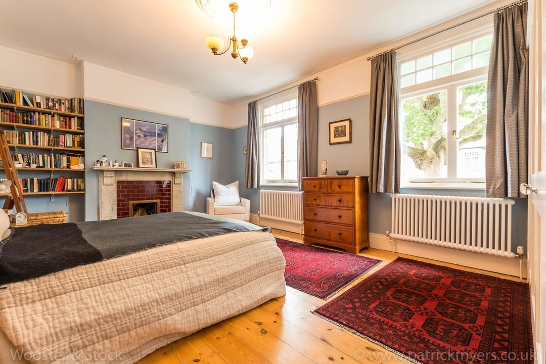 House - Semi-Detached For Sale in Grove Park, SE5 333 view25