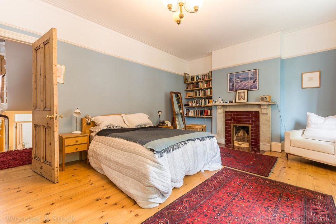 House - Semi-Detached For Sale in Grove Park, SE5 333 view24