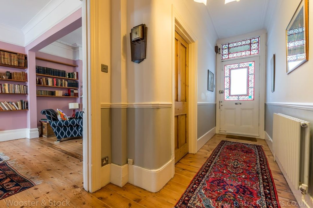 House - Semi-Detached For Sale in Grove Park, SE5 333 view12