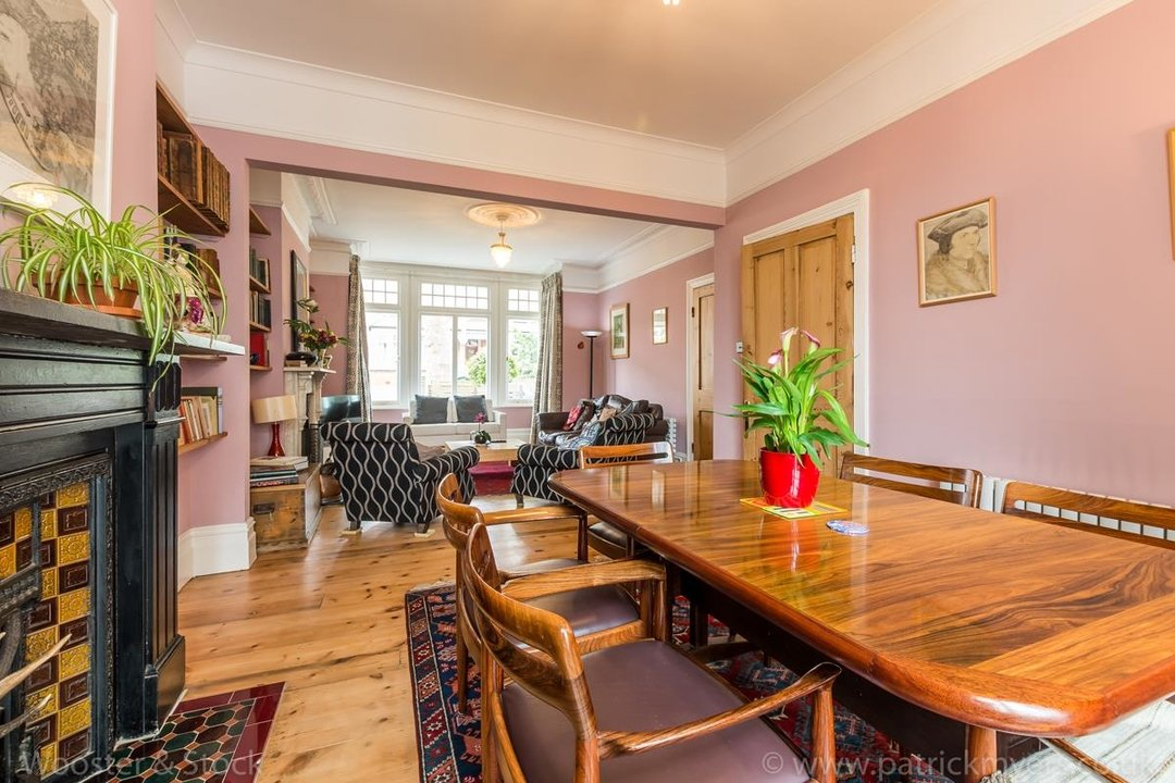 House - Semi-Detached For Sale in Grove Park, SE5 333 view11