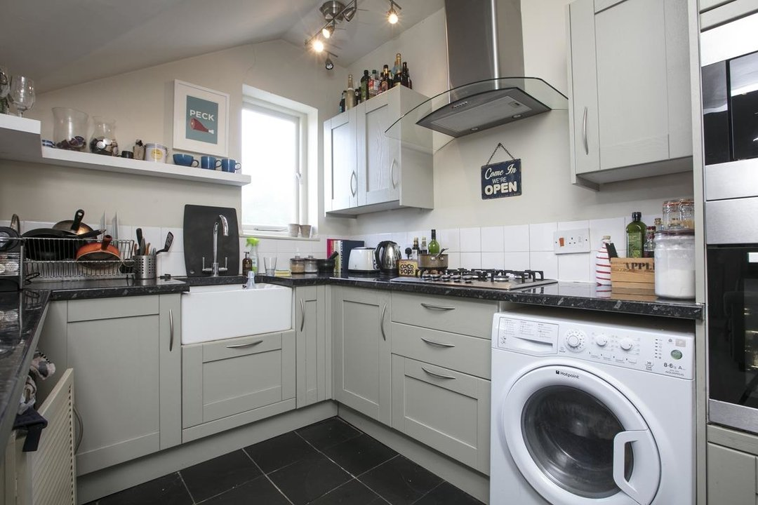 Flat - Conversion For Sale in Grove Park, SE5 336 view4