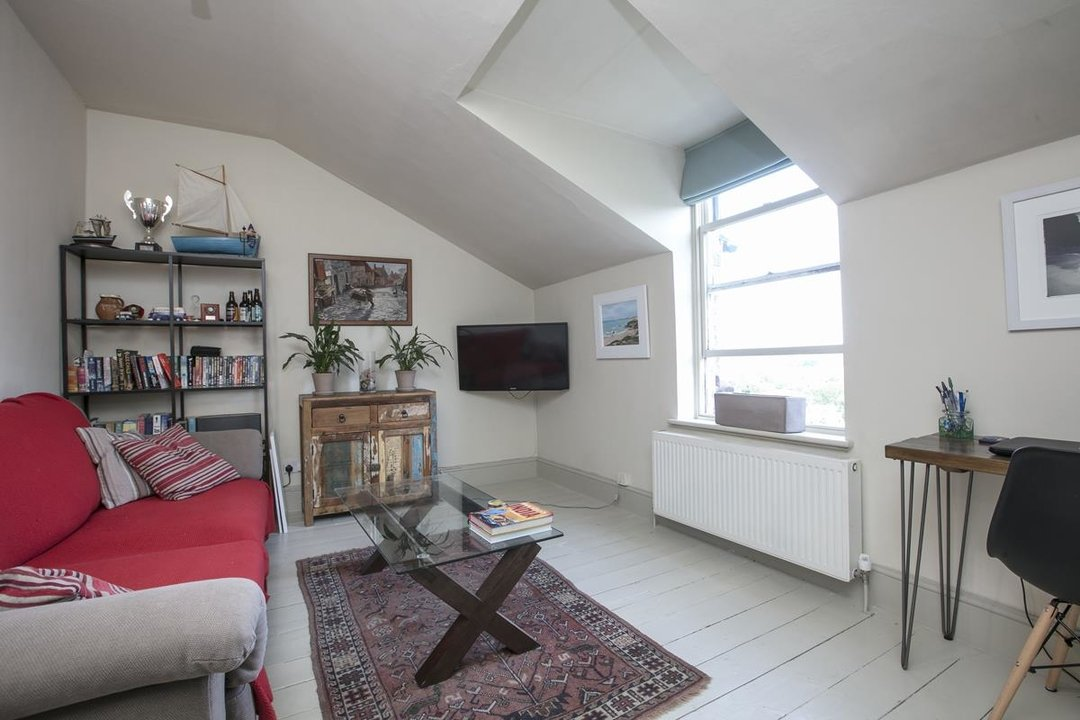 Flat - Conversion For Sale in Grove Park, SE5 336 view6