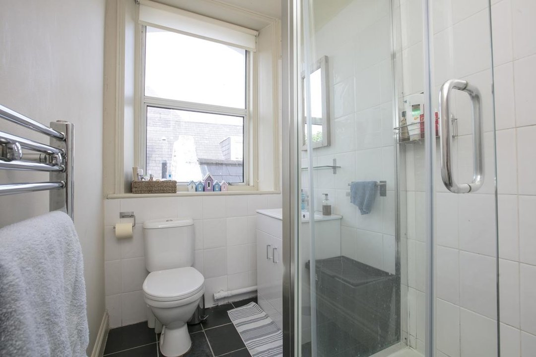 Flat - Conversion For Sale in Grove Park, SE5 336 view9