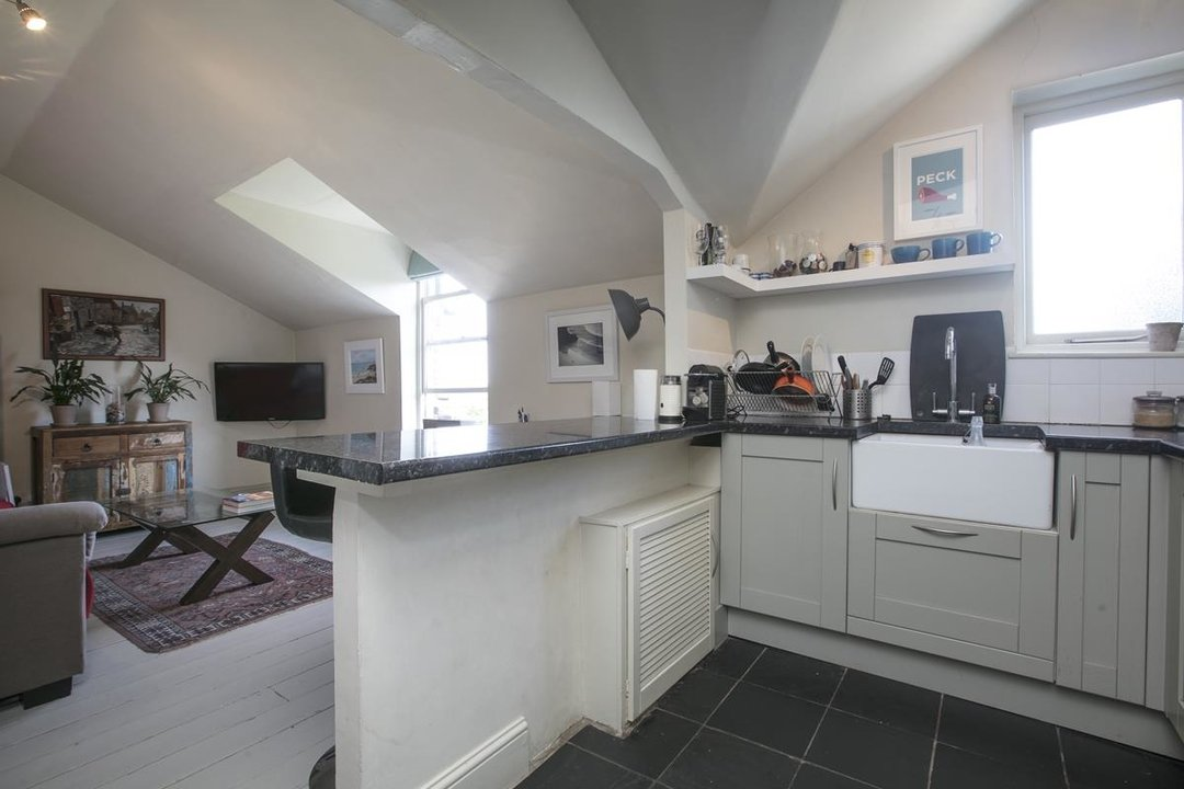 Flat - Conversion For Sale in Grove Park, SE5 336 view5