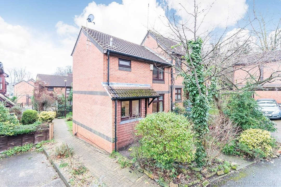 House - Semi-Detached For Sale in Grovelands Close, SE5 244 view9