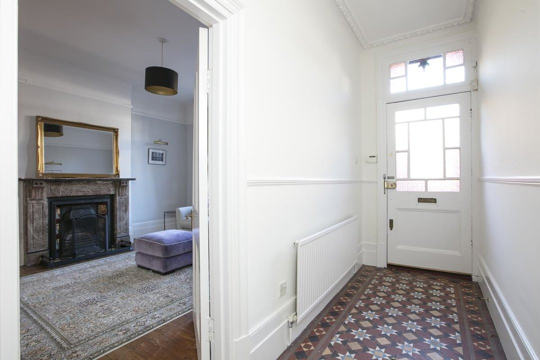 House - Terraced For Sale in Halsmere Road, SE5 228 view12