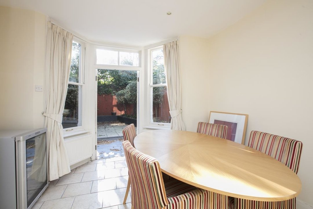 House - Terraced For Sale in Halsmere Road, SE5 228 view14