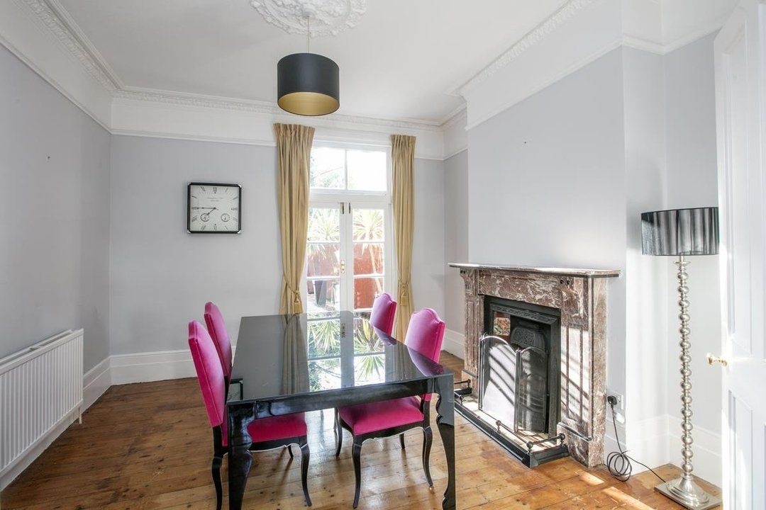 House - Terraced For Sale in Halsmere Road, SE5 228 view6