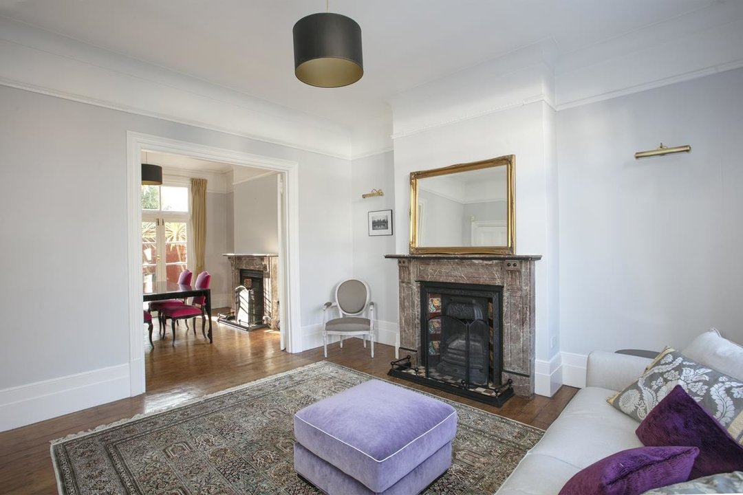 House - Terraced For Sale in Halsmere Road, SE5 228 view2