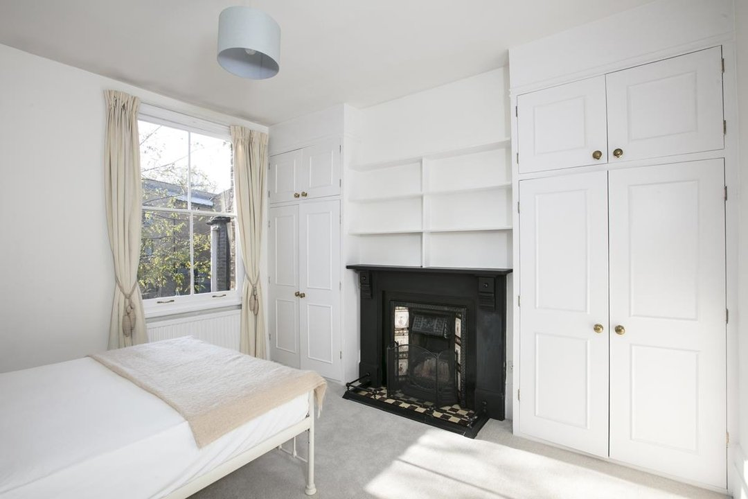 House - Terraced For Sale in Halsmere Road, SE5 228 view18