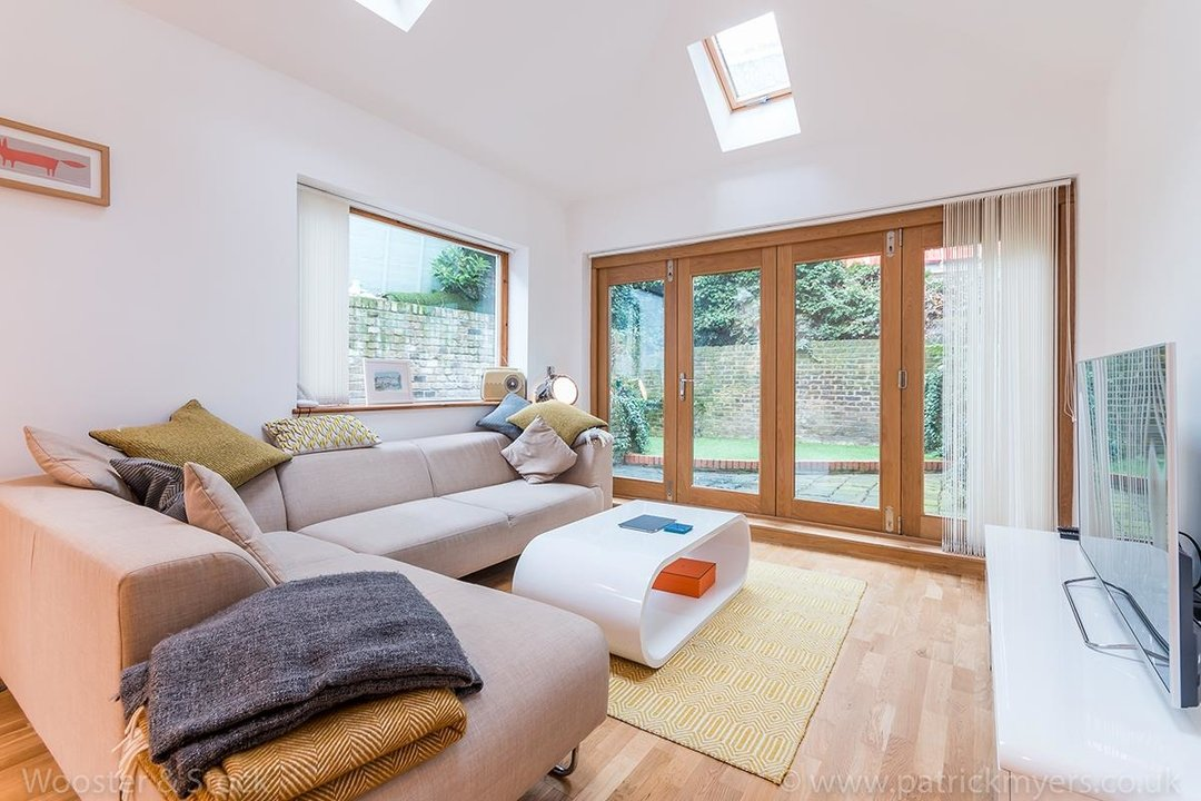 House - Semi-Detached For Sale in Halsmere Road, SE5 243 view5