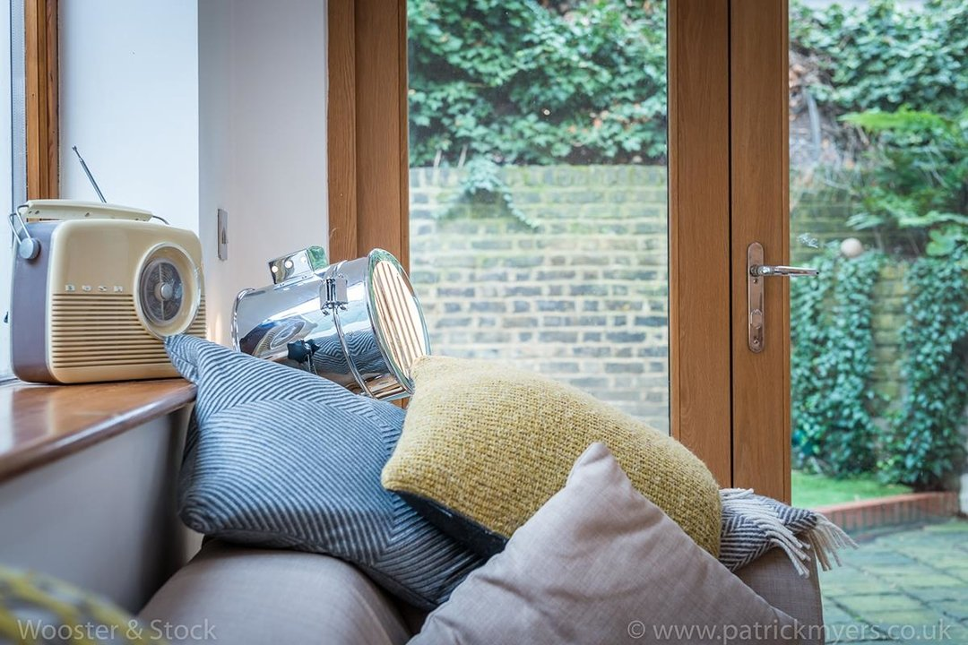 House - Semi-Detached For Sale in Halsmere Road, SE5 243 view6