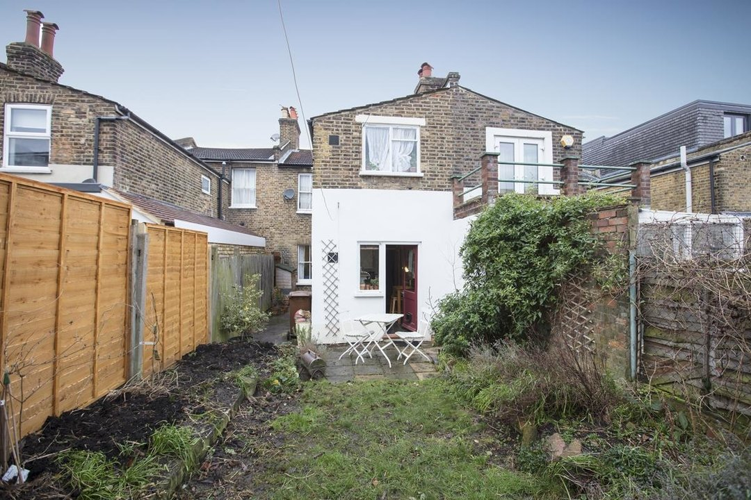 Flat - Conversion For Sale in Henslowe Road, SE22 262 view7