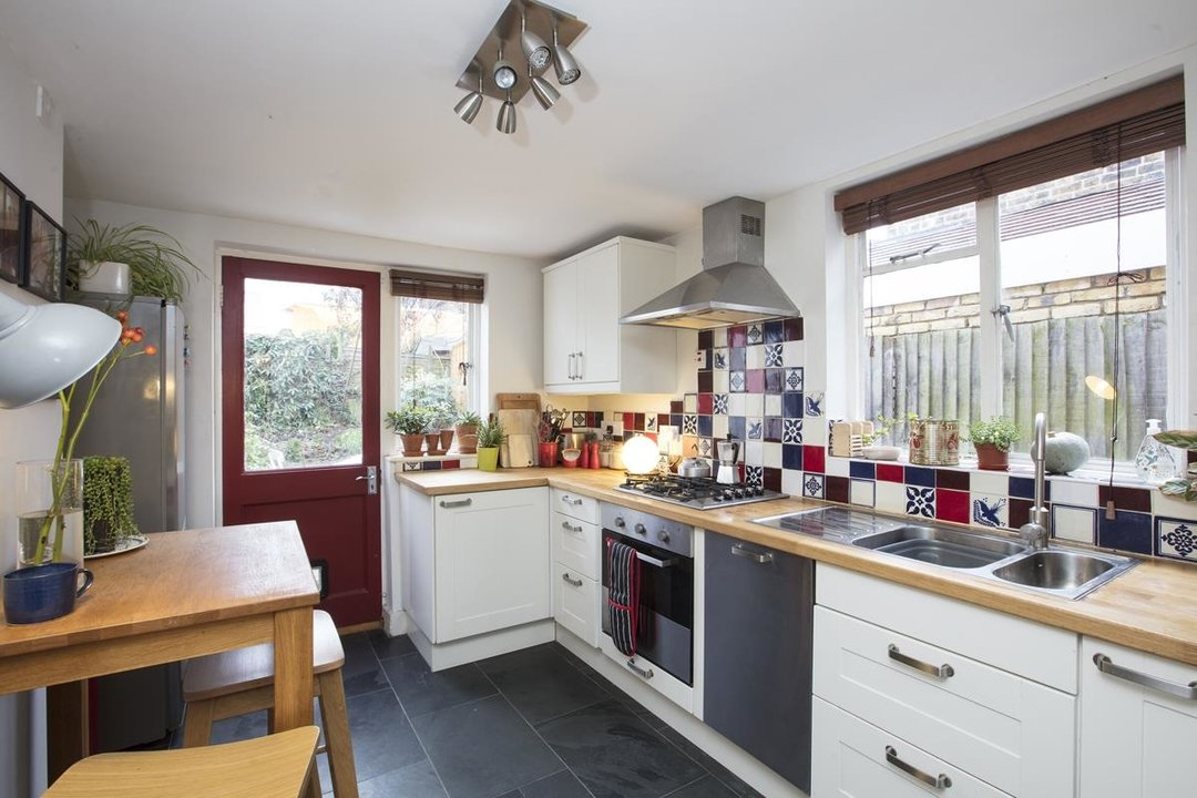 Flat - Conversion For Sale in Henslowe Road, SE22 262 view3