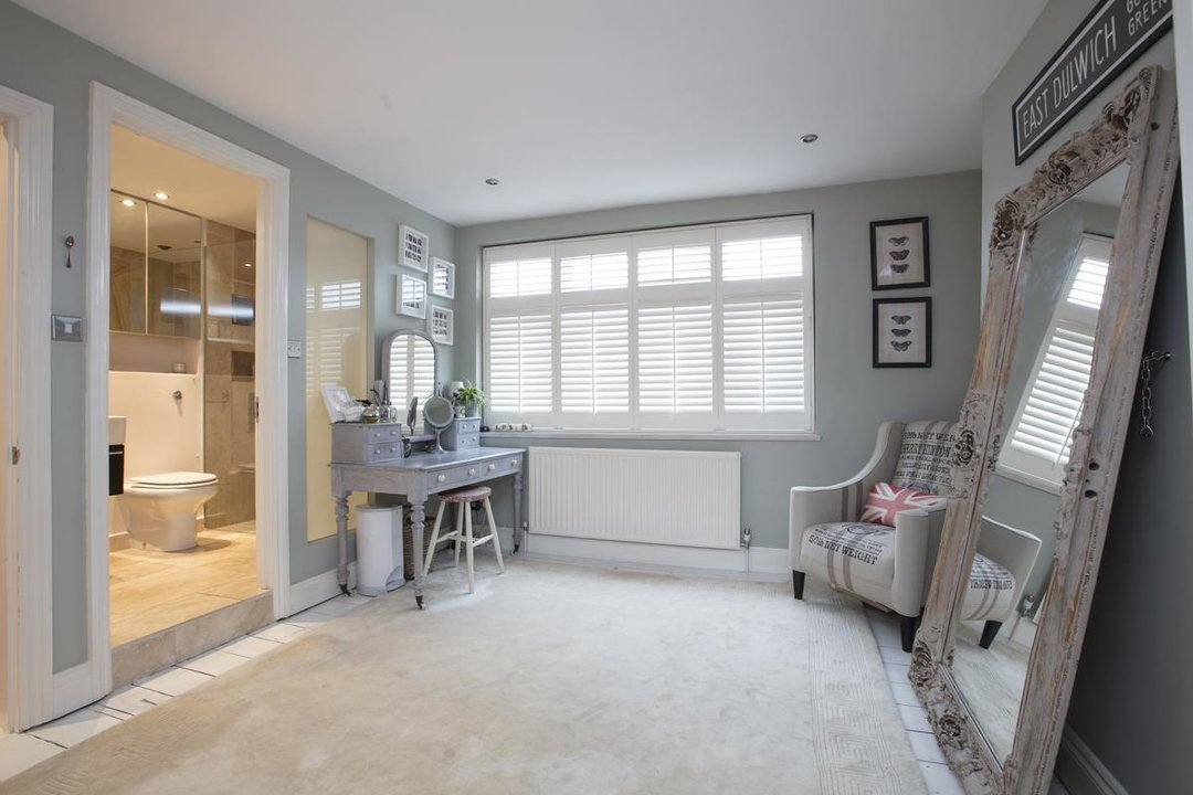 House - Terraced For Sale in Henslowe Road, SE22 275 view10