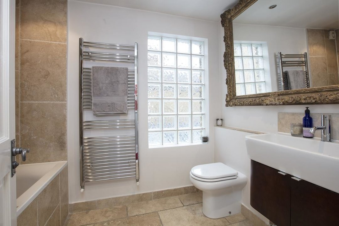 House - Terraced For Sale in Henslowe Road, SE22 275 view13