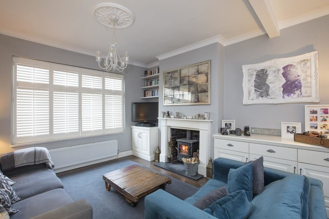 House - Terraced For Sale in Henslowe Road, SE22 275 view1