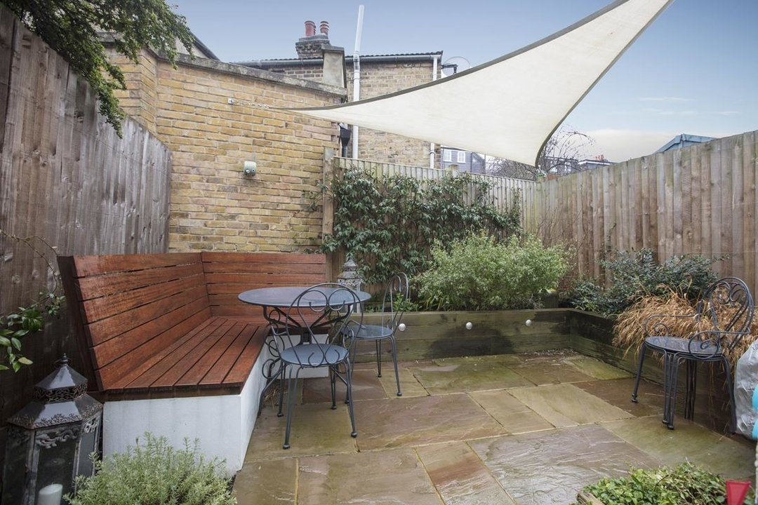 House - Terraced For Sale in Henslowe Road, SE22 275 view7
